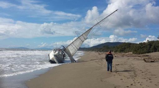 Naufragio a Castiglione della Pescaia: muore un velista 79enne