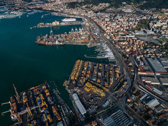 In vigore la nuova normativa per il dragaggio dei porti
