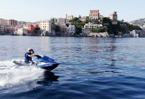 Estate: a Genova arrivano le 'volanti del mare'