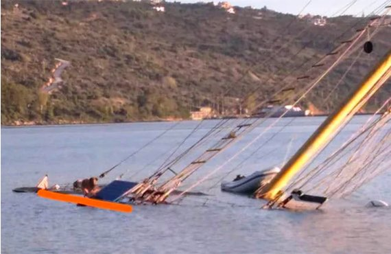 Inglese trovato morto legato all'albero della sua barca a vela affondata