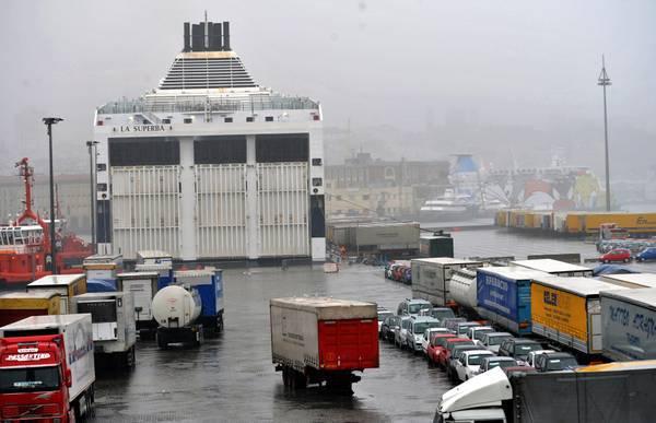 Trasporti: Confcommercio, con nave 8 mila km code in meno