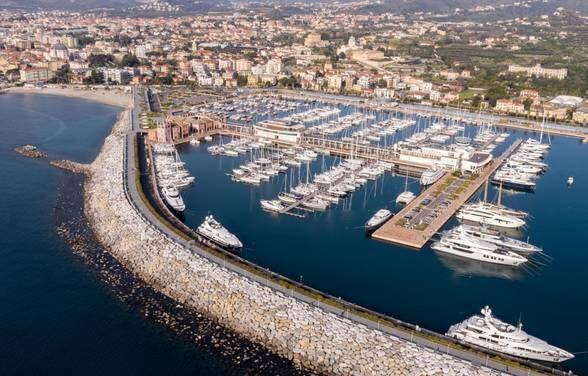 Più Bandiere blu, traino per turismo; la Liguria regina